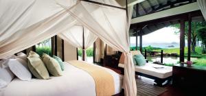Phulay Bay oceanview pool pn a Thailand beach honeymoon