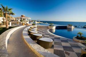 Infinity pool at Haceinda Encantada on a Mexico all inclusive honeymoon