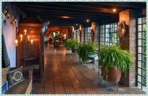 Casa Polopo hallway